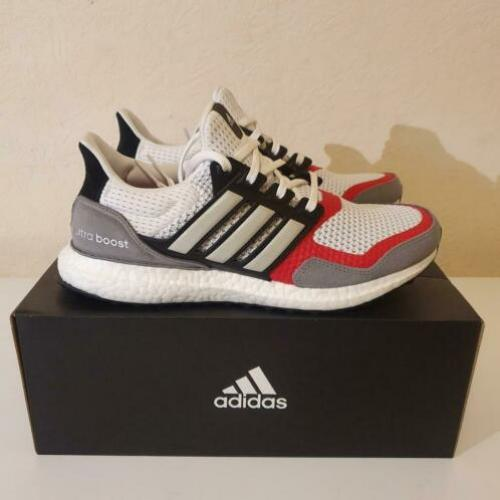 Adidas UltraBoost Suede & Leather maat 42