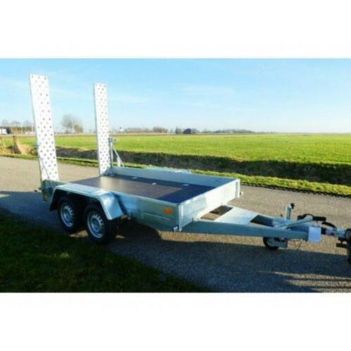 Bij Eemsned machinetransporter .OPRUIMING € 2295,--